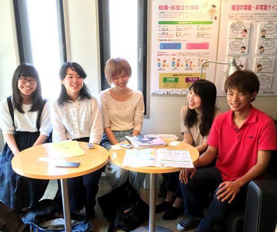 中央大学・文学部社会学専攻の皆さんがインタビュー調査に来られました!